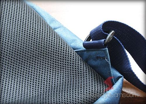 Detail jahitan bagian belakang tas