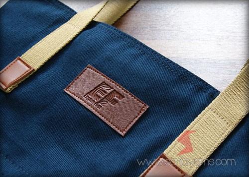 Detail hasil cetakan emboss logo - EF