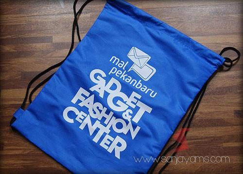 Tas punggung Mall Pekanbaru warna biru