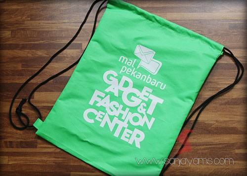 Tas punggung Mall Pekanbaru warna hijau