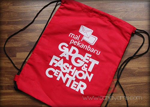 Tas punggung Mall Pekanbaru warna merah