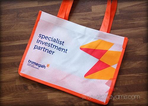 Hasil cetak logo Trimegah pada tas