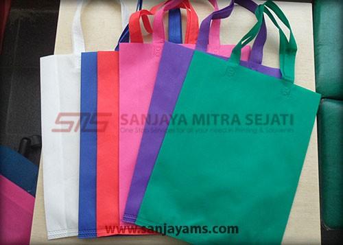 Beberapa pilihan warna tas