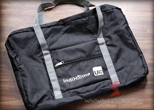 Travel bag Indihome tampak pada saat di lipat