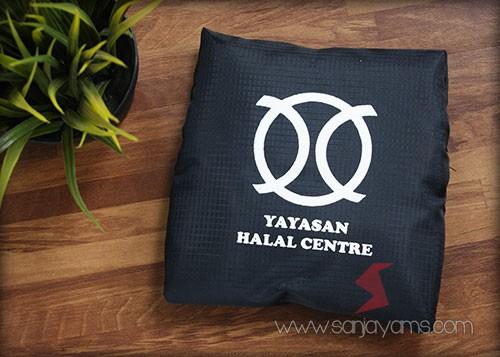 Travel bag lipat - Yayasan Halal Center