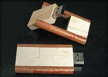 USB Kayu Putar 2 Warna (UW20)