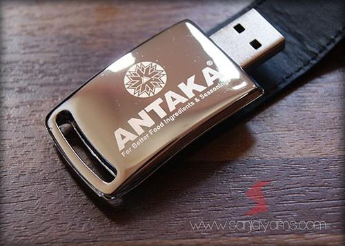 USB kulit - Antaka